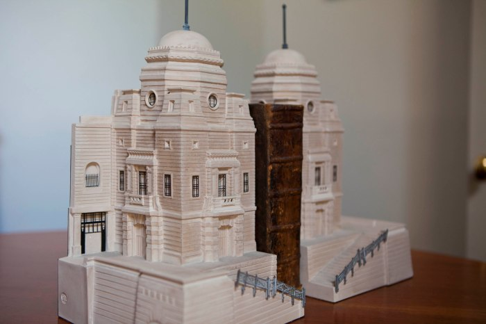 Mad about Models: Building Blog 5 Twin Towers to Single Arch